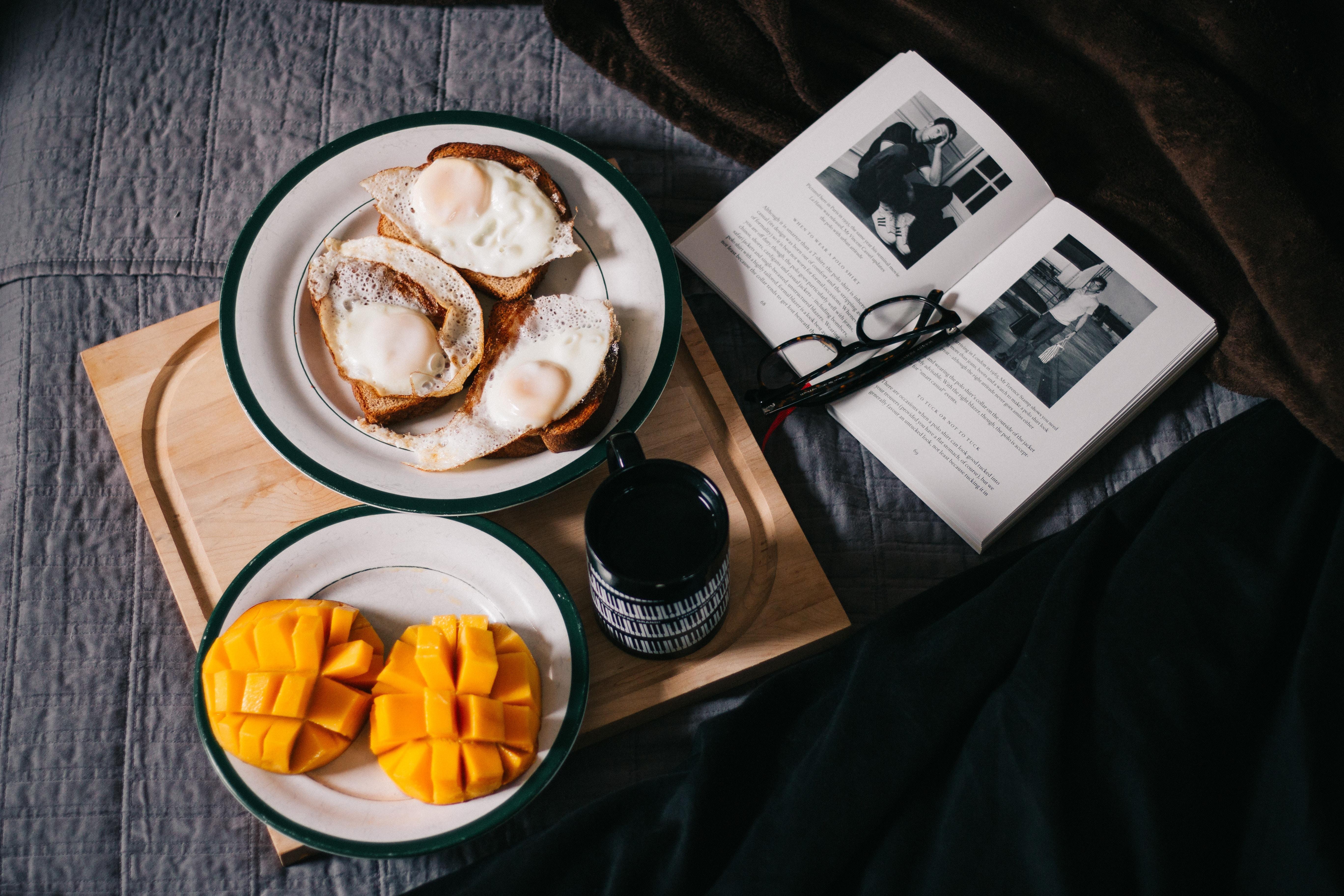 healthy breakfast unsplash david-lezcano-211888